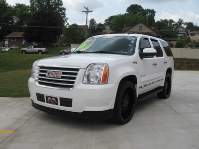 2008 GMC Yukon Hybrid in Pittsburgh