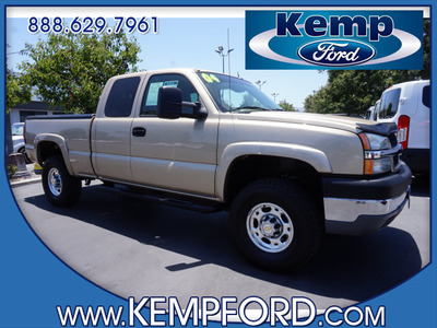 2004 Chevrolet Silverado 2500HD in Thousand Oaks